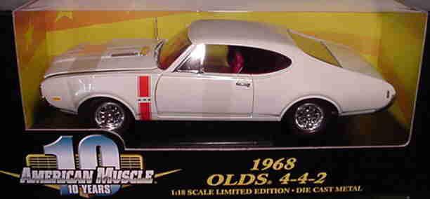 1968 Oldsmobile 442 blancoo 1 18 Ertl American Muscle 32557