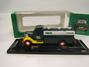 Hess-Truck-Miniature-2000-Hess-First-Truck-original-box-VGC