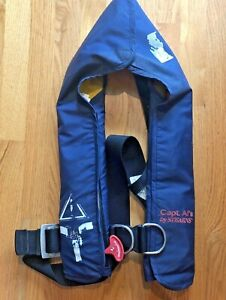 Stearns-BLUE-Inflatable-Life-Jacket-WITH-HARNESS-AUTO-INFLATE-NEEDS-ARMING