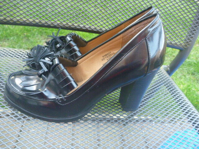 RIVER ISLAND SIZE UK 4 PATENT LEATHER SHOES HEELS