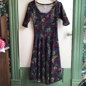 LULAROE-Nicole-Black-Red-Blue-Rainbow-Floral-Short-Sleeve-Fit-Flare-Dress-Small