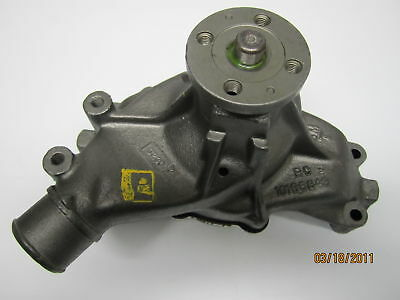 New Chevy GMC Water Pump W// Gasket For C2500 C3500 K2500 K3500 7.4L V8 AW5038