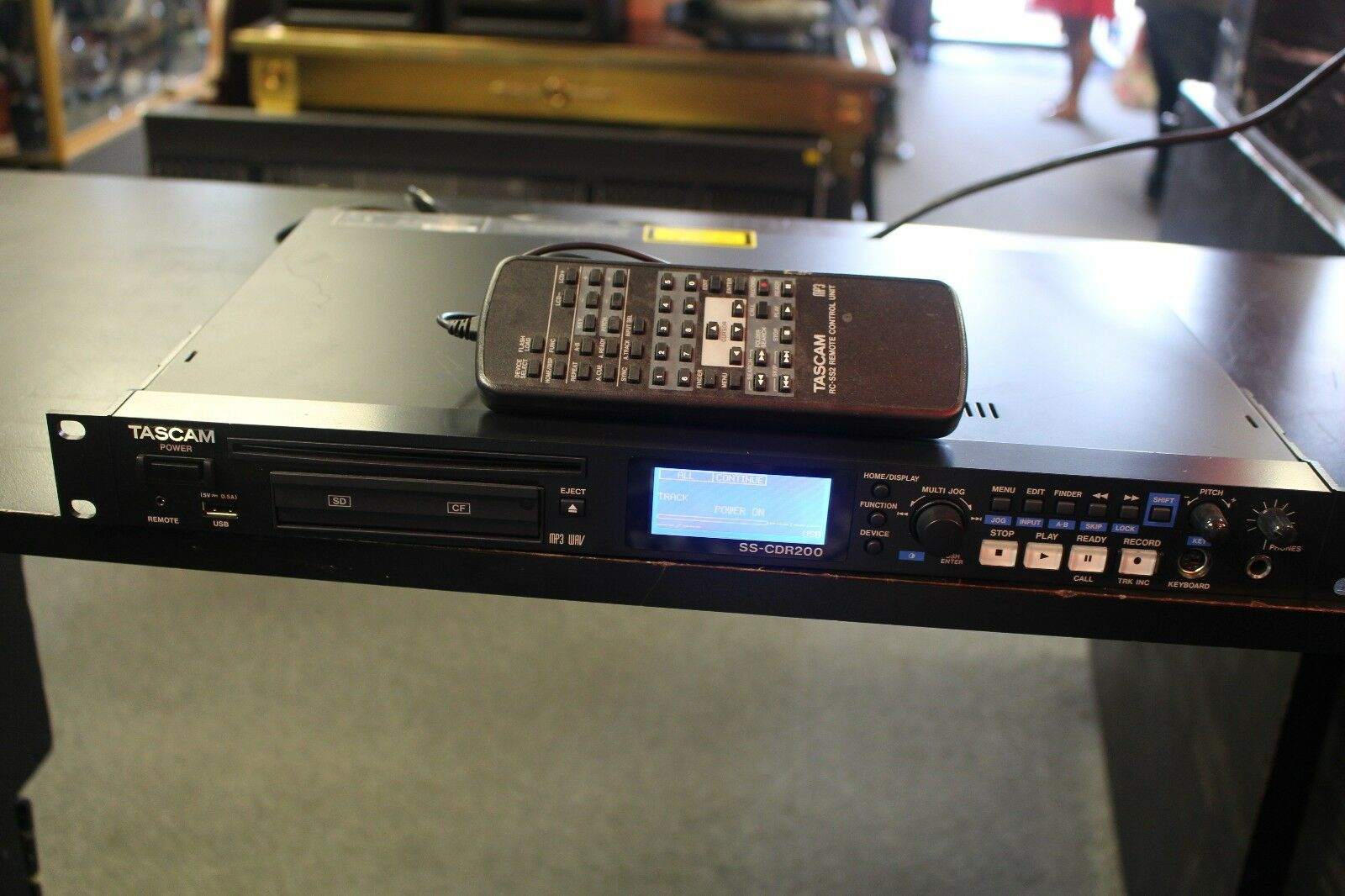 TASCAM SS-CDR200 Solid State and CD Digital Audio Recorder