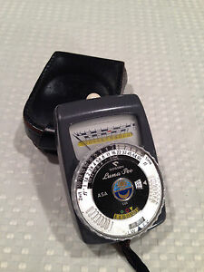 Gossen Luna-Pro Light Meter Black Model in original leather case Made In Germany