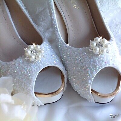 Obbediente Con Strass E Perla Tono Argento Shoe Clips Abbellimento Pageant Sposa Matrimonio-mostra Il Titolo Originale
