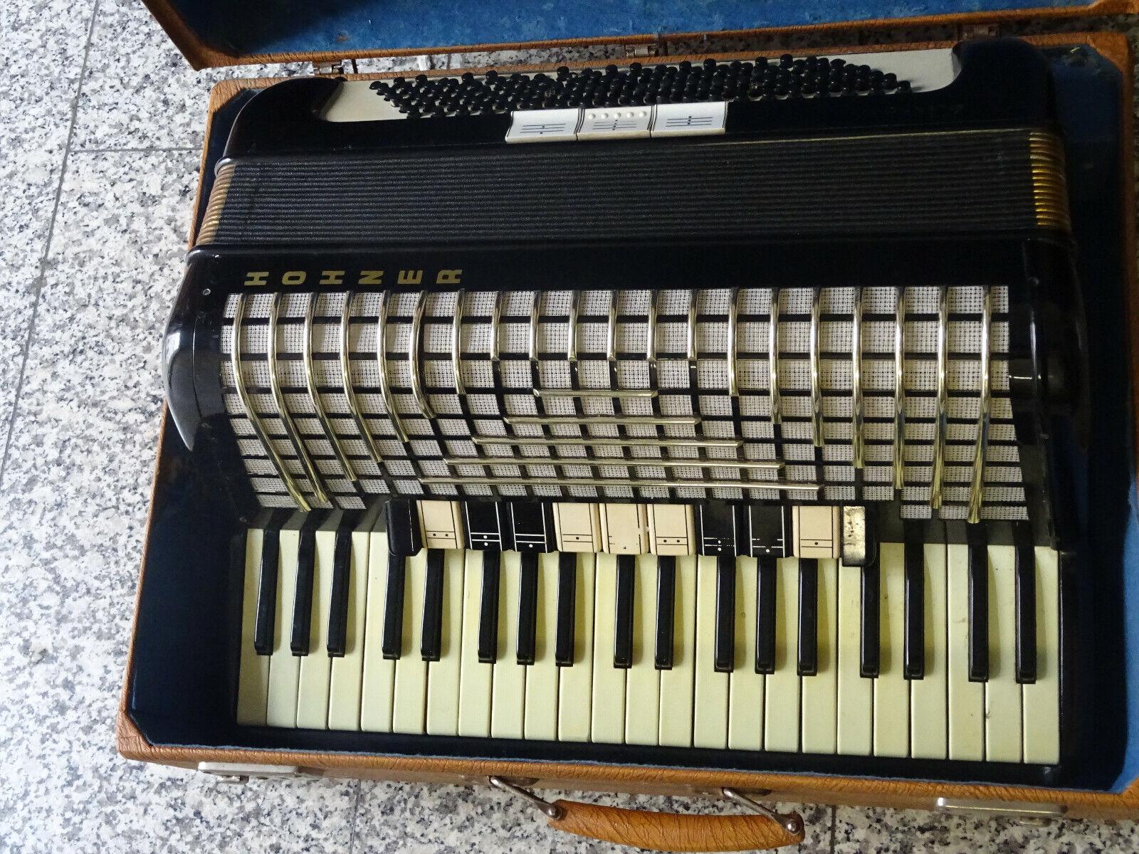Hohner Atlantic III  im Koffer