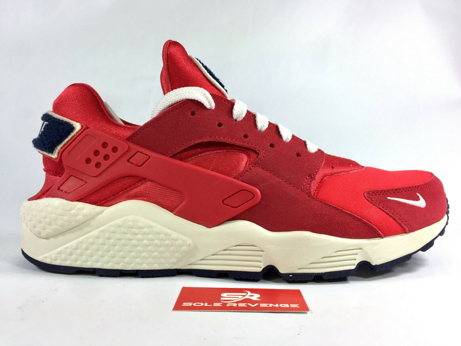 NIKE AIR HUARACHE 704830-602 University Red Sail Blackened bluee Premium Varsity
