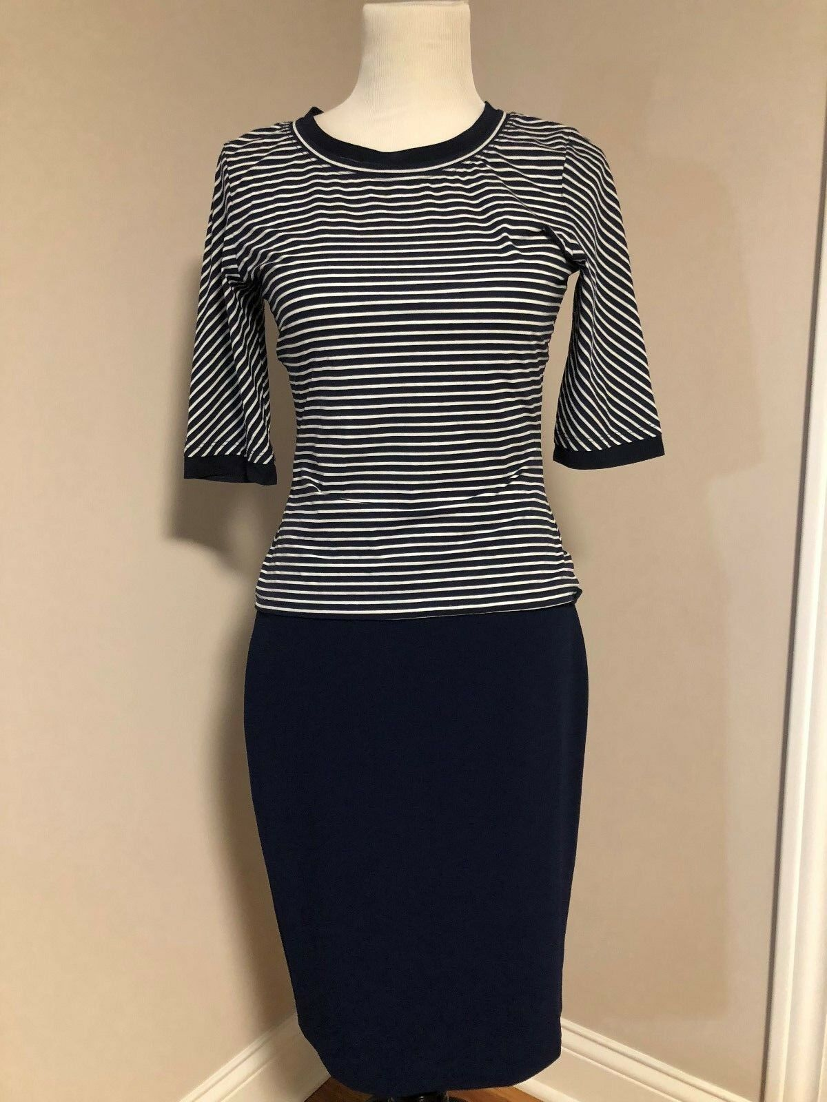 St.John  Navy Silk Skirt And Top 2pc Set size 4