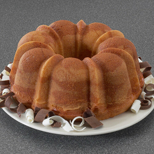 Non Stick Nordicware Red Bundt Cake Pan Lightweight 6-Cup