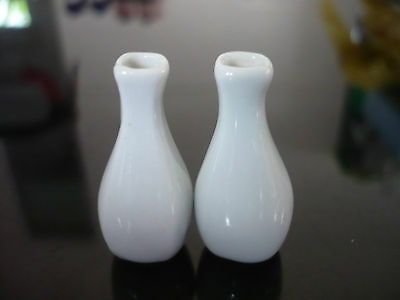 2 Classic White Vase Dollhouse Miniatures Ceramic Deco Home