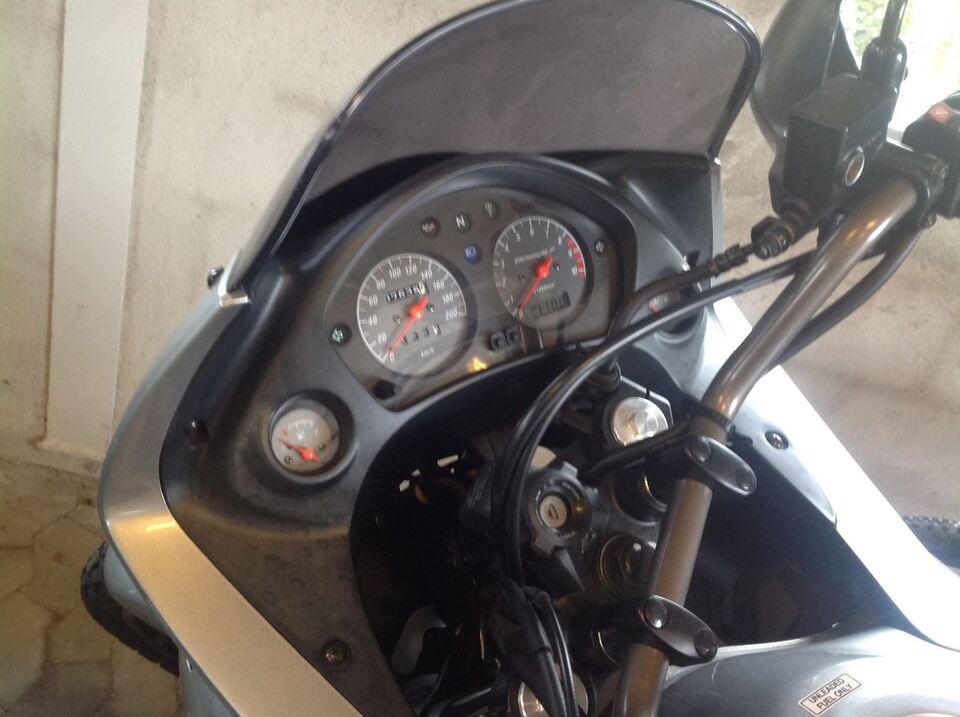 Honda, Trans Alp 650, ccm 650