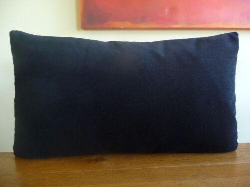 Noir avec un soupçon de velours bleu Oblongue Coussin Couverture