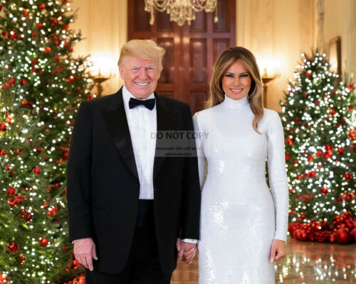 PRESIDENT DONALD TRUMP /& MELANIA 2018 CHRISTMAS PORTRAIT RT405 8X10 PHOTO