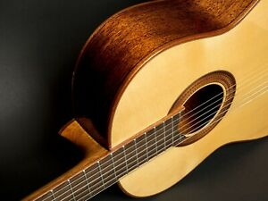 New-Merida-Trajan-T-25-Classical-Guitar-W-Case-Solid-Sitka-Spruce-Top