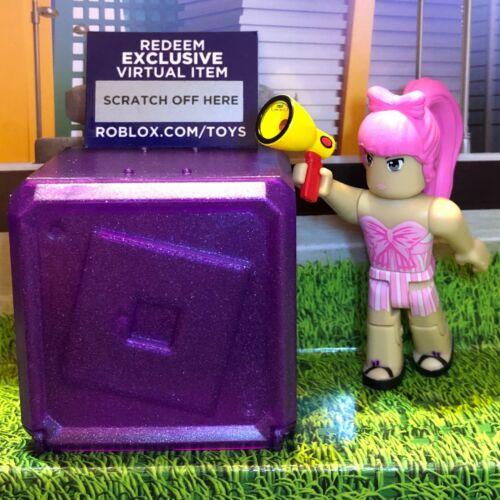 Roblox Celebrity Collection Series 3 Mystery Pack Purple Cube