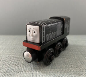 Wooden-Thomas-The-Tank-Trains-For-Brio-Diesel
