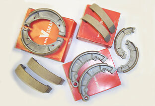 BRAKE SHOES YAMAHA XJ 750 XJ750 1982-84 SECA 81-83 REAR