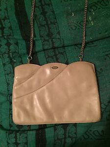 9015451adc Image is loading Vintage-Ferragamo-Bag-Cream-Gold-Chain-Party-1980s-