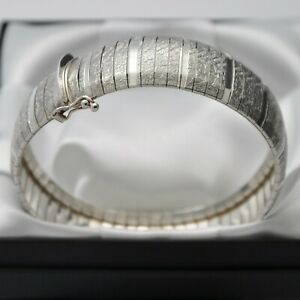 Wide-amp-Heavy-Italian-Vintage-Domed-Strap-Design-Bracelet-in-925-Sterling-Silver