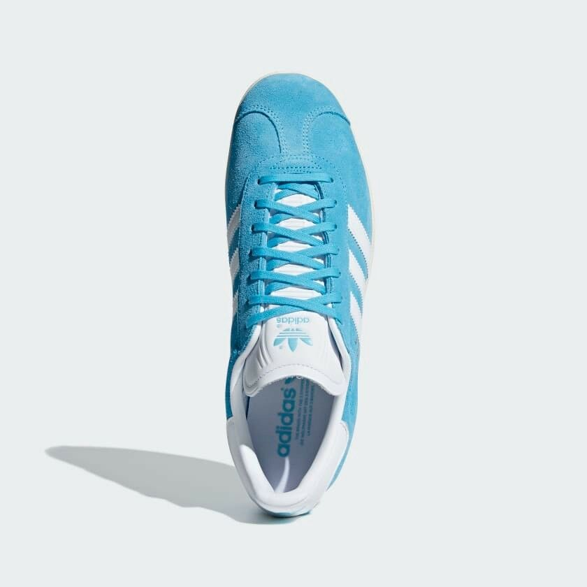 eef4a96f0c82b4 adidas bleu turquoise et blanc taille formateurs originaux gazelle des  formateurs taille 784413