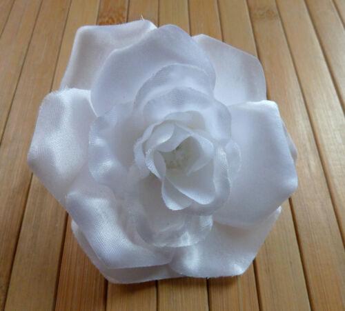 Blumenanstecker// Anstecker mit Blüte   Rose  weiß  Hochzeit  Neu