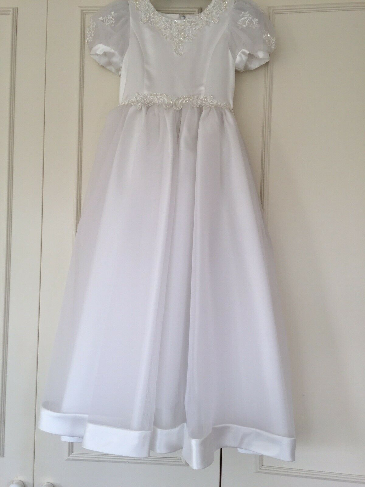 "Flower Girl Dress In Silver Grey Tulle & White Satin Age 8 Length 43"""