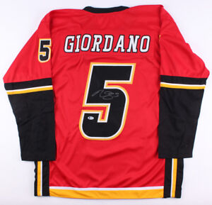 Mark Giordano Signed Flames Captain s Jersey (Beckett COA) All Star ... bee2c89bb