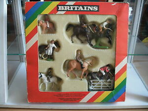 Britains-Horse-Riding-Box-set-7176-in-Box