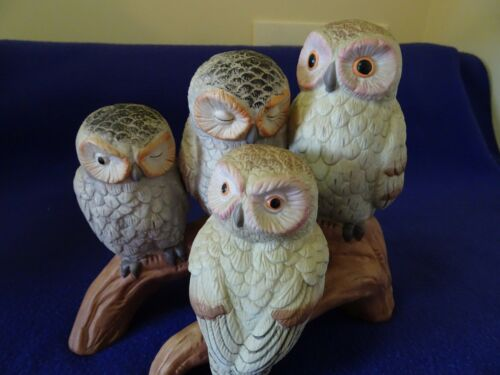 1970'S PORCELAIN BISQUE FIGURINE4 OWLS FAMILY PERCHED ON A LOGNO FLAWS