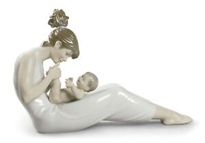 NEW LLADRO GIGGLES WITH MOM #9152 BRAND NEW IN BOX MOTHER'S DAY LOVE SAVE$$ F/SH