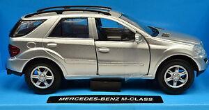 MERCEDES-BENZ-CLASSE-M-argent-echelle-1-32-de-NewRay