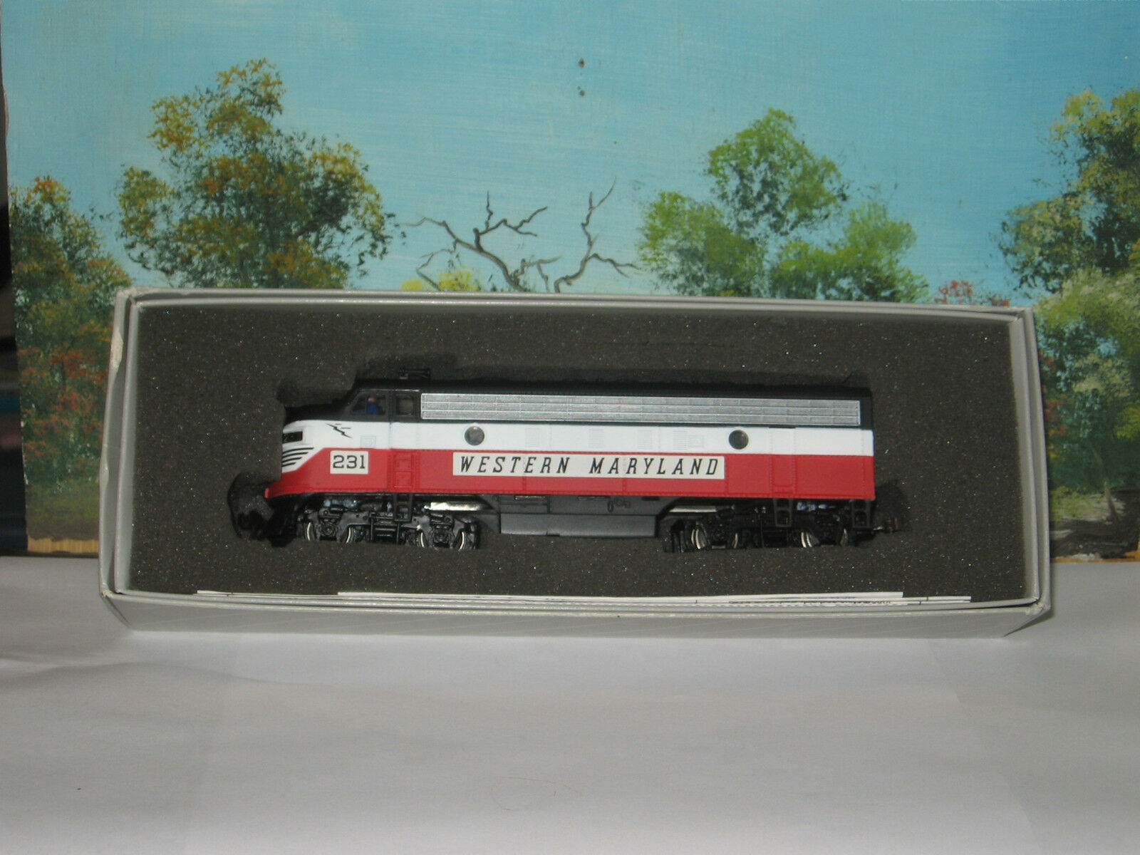 BACHMANN PLUS HO SCALE  27 F7A  WM CIRCUS COLORS