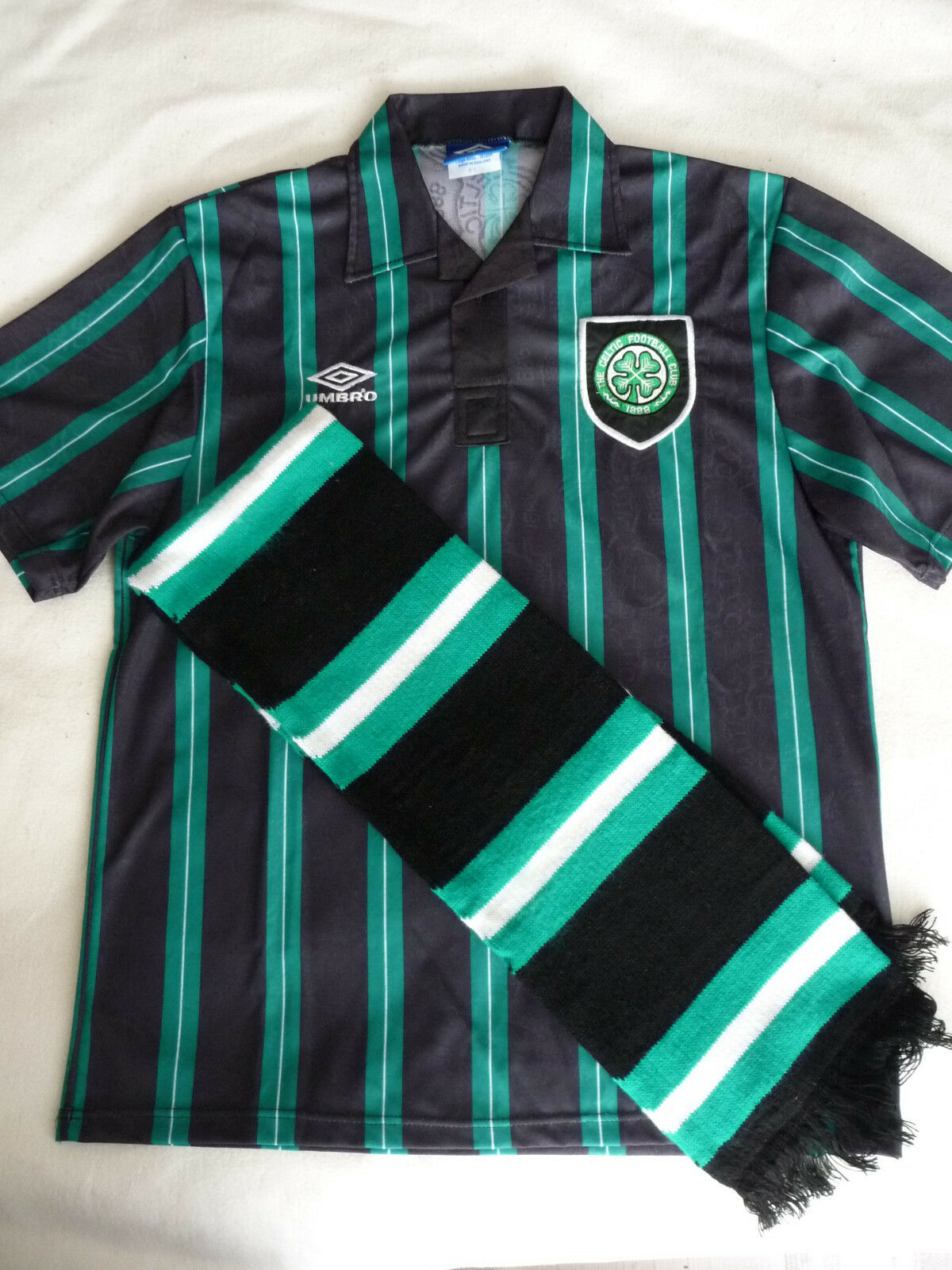 Celtic FC  Umbro Trikot / Shirt Shirt. Größe L  Away Shirt / 1992 / 1993 + Schal 498667