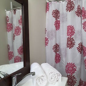 QUICKFIT HOT PINK SHOWER CURTAIN + 12 DECORATIVE HOOKS MODERN WHITE PINK FLOWER