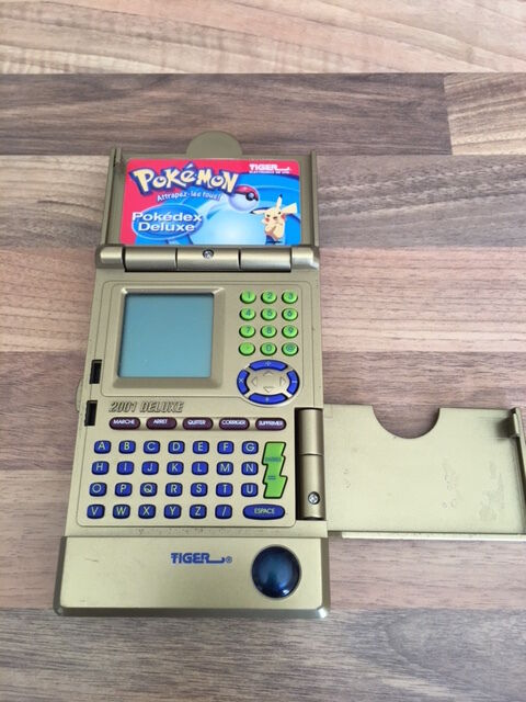 Tiger POKEDEX 2001 gold rare