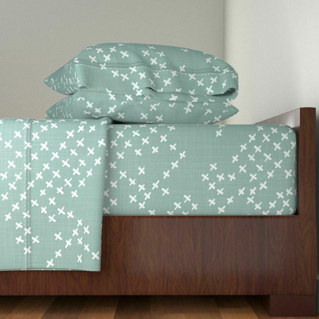 Geo Boho Crosses Plus Signs Sage verde 100% Cotton Sateen Sheet Set by Roostery