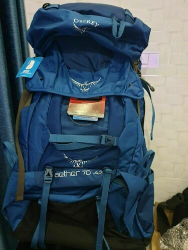 rain cover Blue color Osprey aether 70 ag size M New With Tags