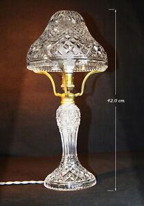 Seltene 1940s Art Deco Fine Cut Glas Prisma Crystal Kröte Hocker-Form Tischlampe