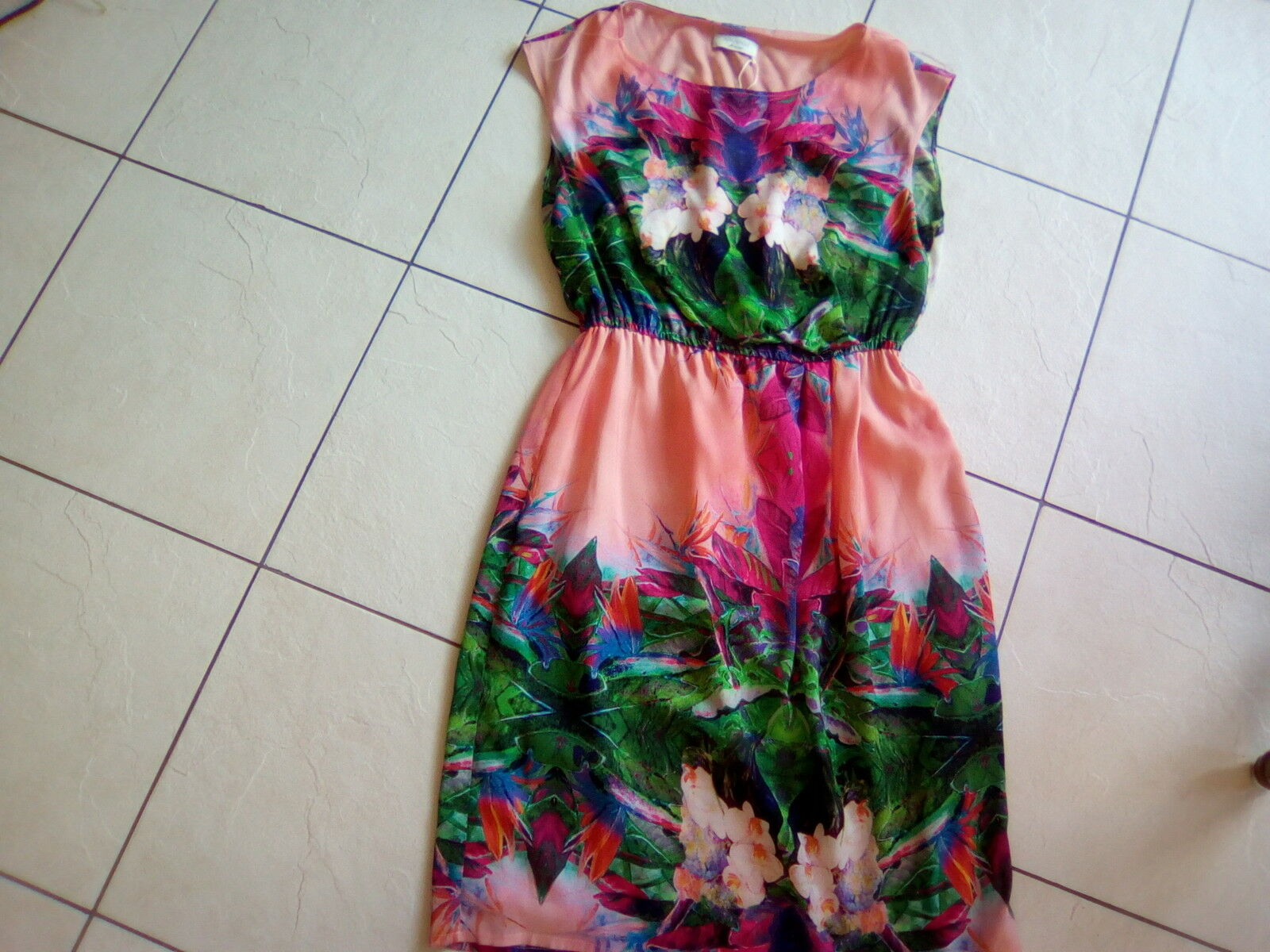 Apanage Kleid neu Grösse 36