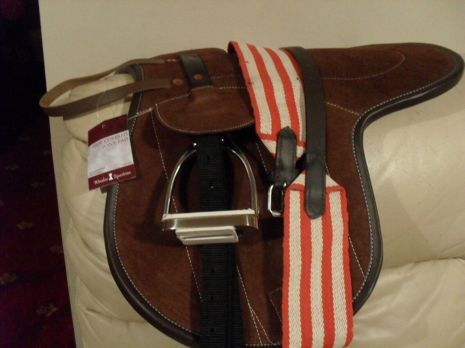 nuovo Windsor Feltro Pony Pad completo di ferri da stiro e Leathers perfetto per un'ampia Pony