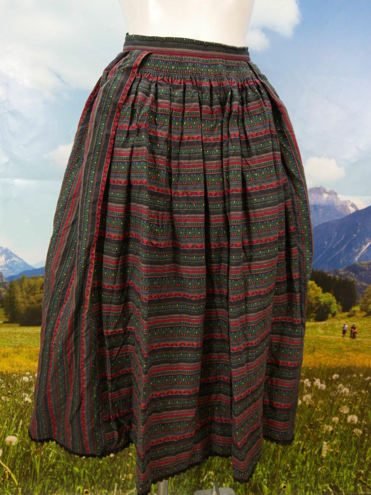 Trachtenrock schwarz Baumwolle eingewebtes Blaumenmotiv tolle Trachten Rock Gr.42