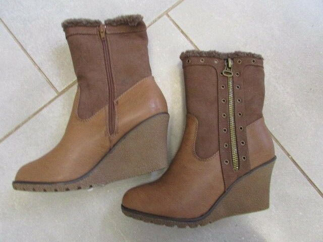 LADIES TAN WEDGE ANKLE BOOT SIZE 9