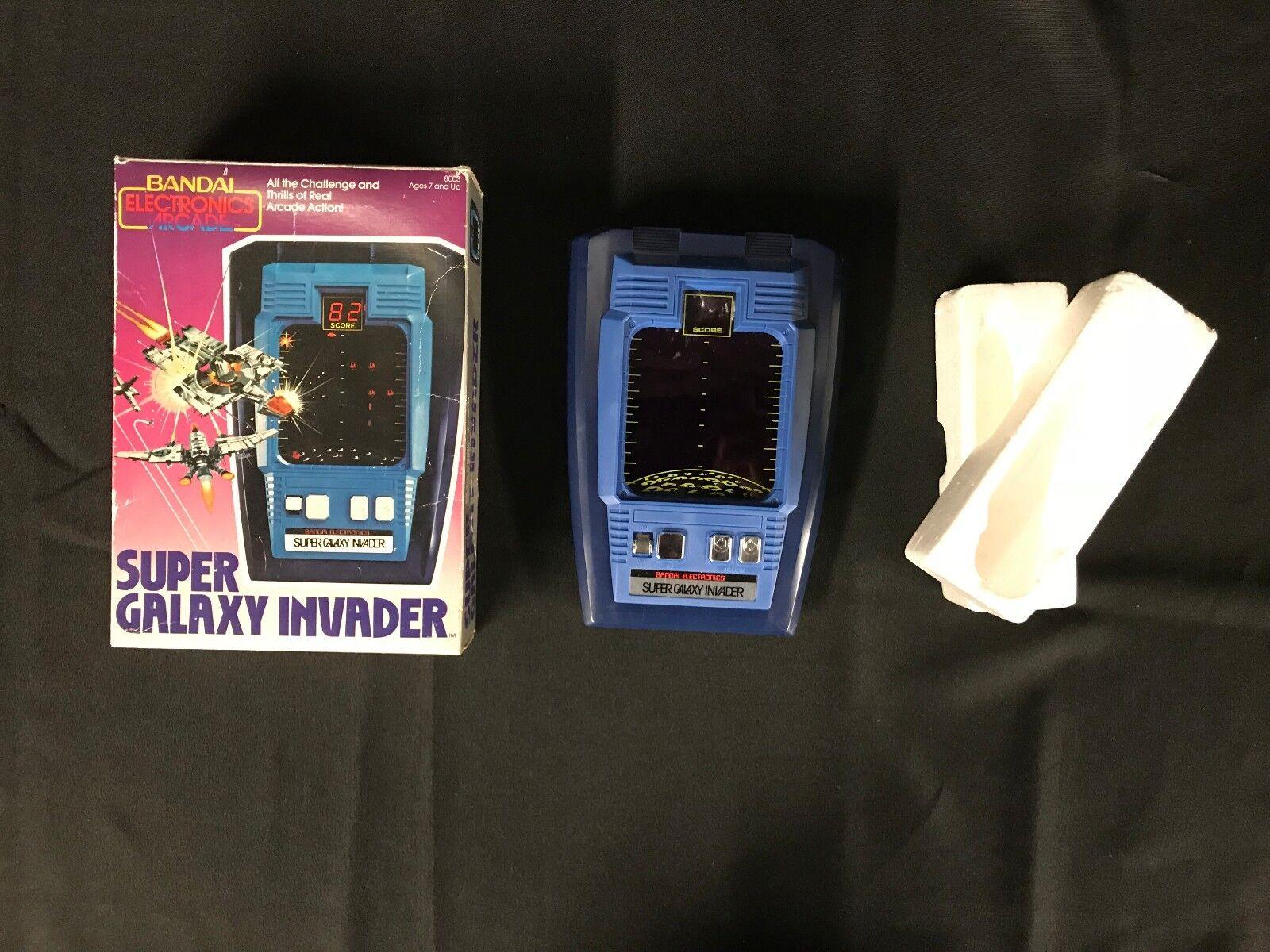 Bandai Electronics Tablettop Arcade spel SUPER GALAXY INVADER Handhållen arbetar