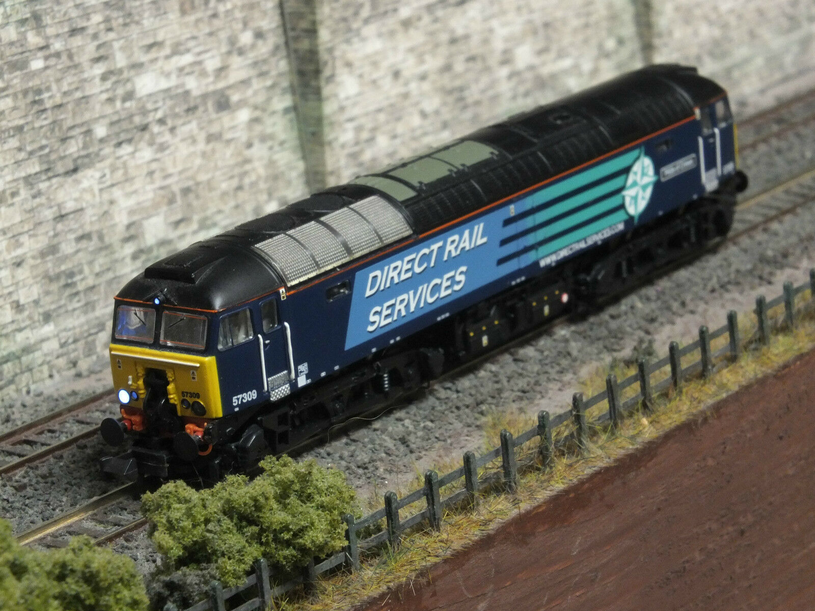 371-657 GRAHAM FARISH CLASS 57 309 DRS DCC SOUND LOCOMOTIVE N GAUGE LEGOMAN