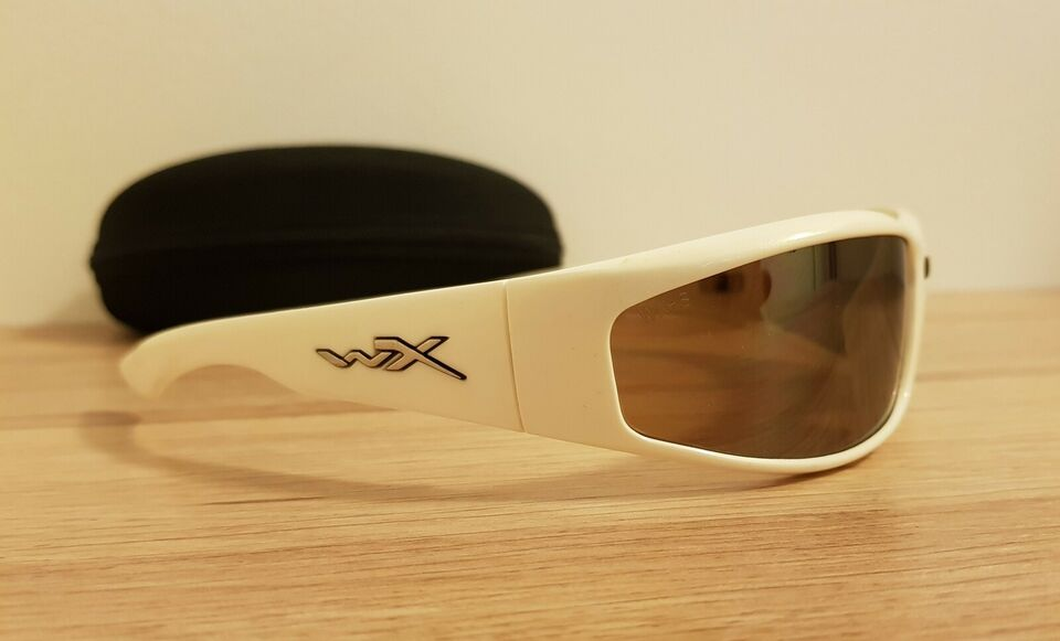 Solbriller herre, Wiley X Revolver