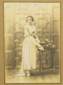 1900s-Edwardian-Bride-Photograph-Young-Lady-Portrait-Vintage-Retro-SPEAIGHT