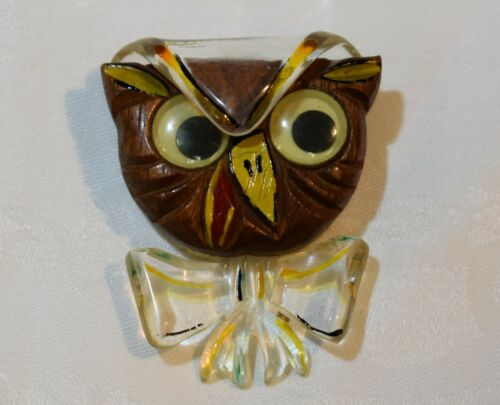 1940's Lucite and Wood Googlie Eyed OWL Brooch - A