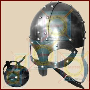 Normannen-Wikinger-Helm-Ritter-Mittelalter-Larp-Ruestung-Rollenspiel-Kostuem-helm