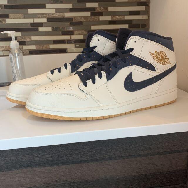 Nike Mens Air Jordan 1 Mid Derek Jeter