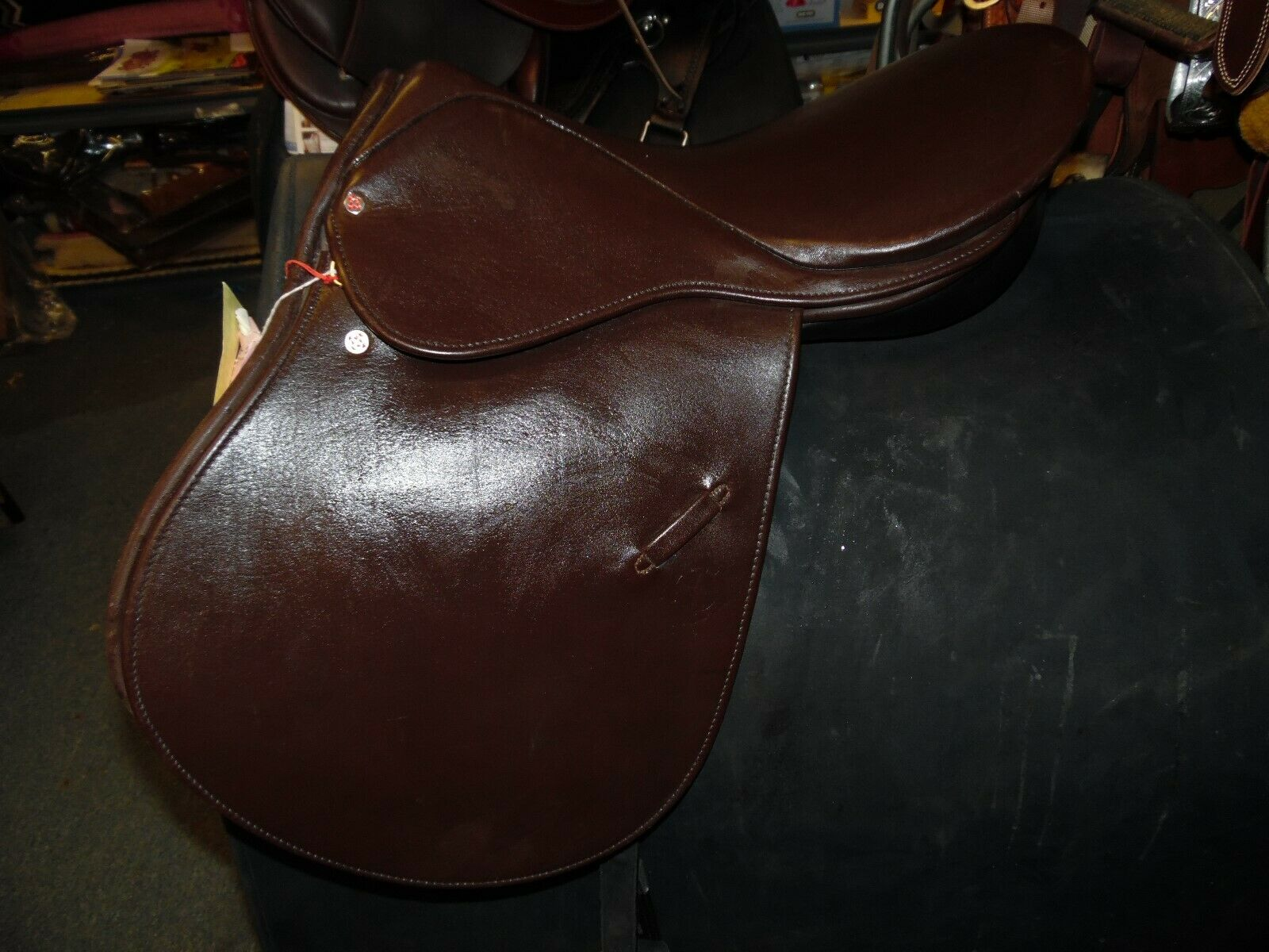 Courbette Luxor VSS All Purpose English Saddle 17.5 seat 32cm tree